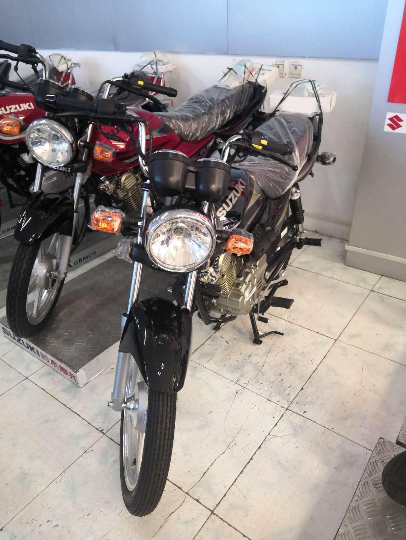 铃木gt125 摩托车