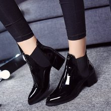 春秋新款漆皮女靴亮皮中跟尖头切尔西短靴欧美大码马丁靴女单靴子