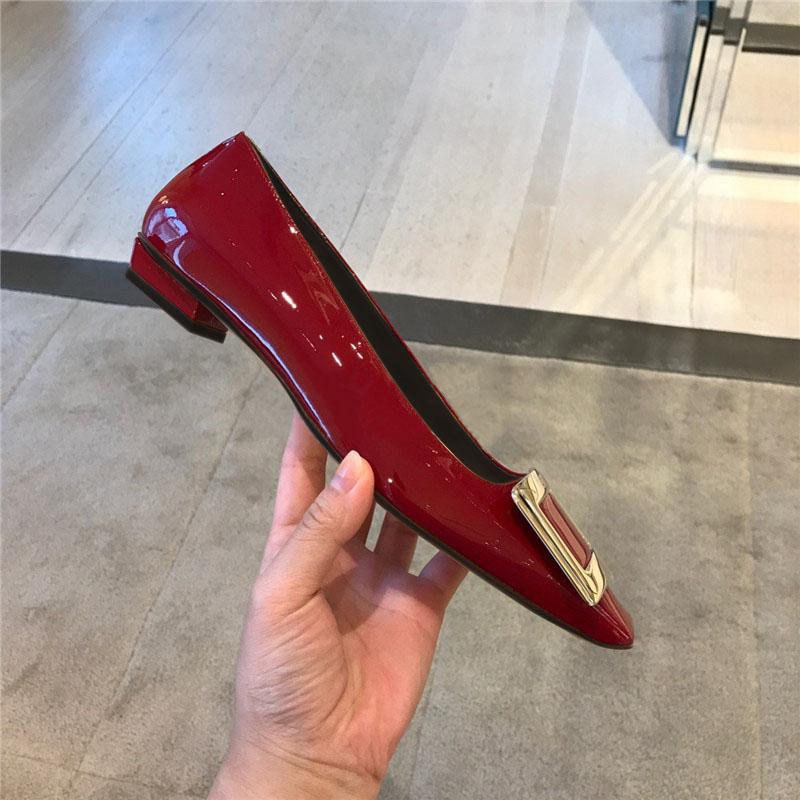 单鞋女2019新款春季金属方扣方头平底鞋粗跟浅口低跟酒红色女鞋