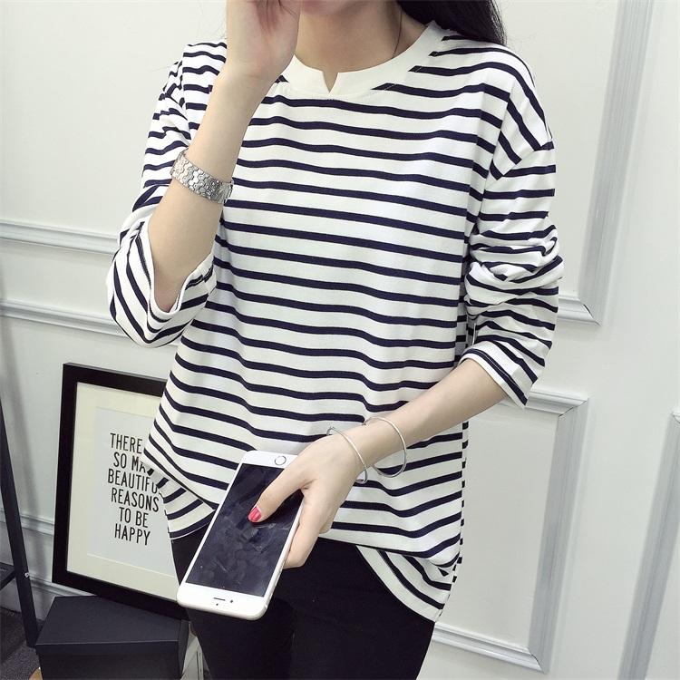 2017秋季女装新款韩版宽大百搭t恤女士条纹上衣学生中长袖打底衫