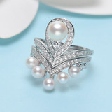S925 silver one wearing a crown akoya pearl ring