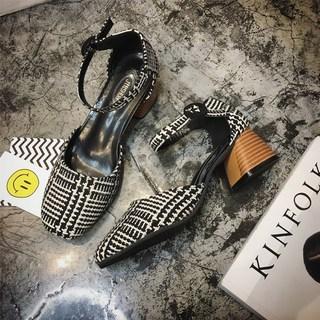 拼色格子黑白中跟凉鞋女春夏季新款粗跟包头方头女鞋搭扣淑女