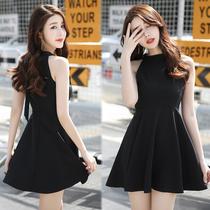赫本小黑裙2018夏季女装新款气质性感黑色露肩挂脖连衣裙短款裙子