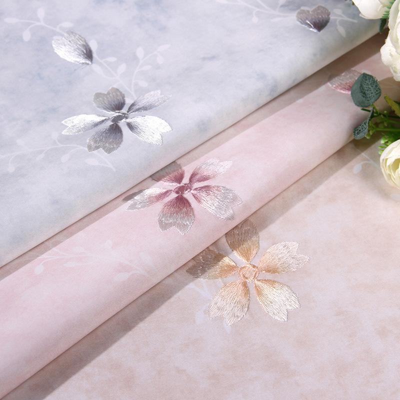儿童房间刺绣墙布田园客厅女孩卧室粉色高档绣花无缝壁布落英缤纷