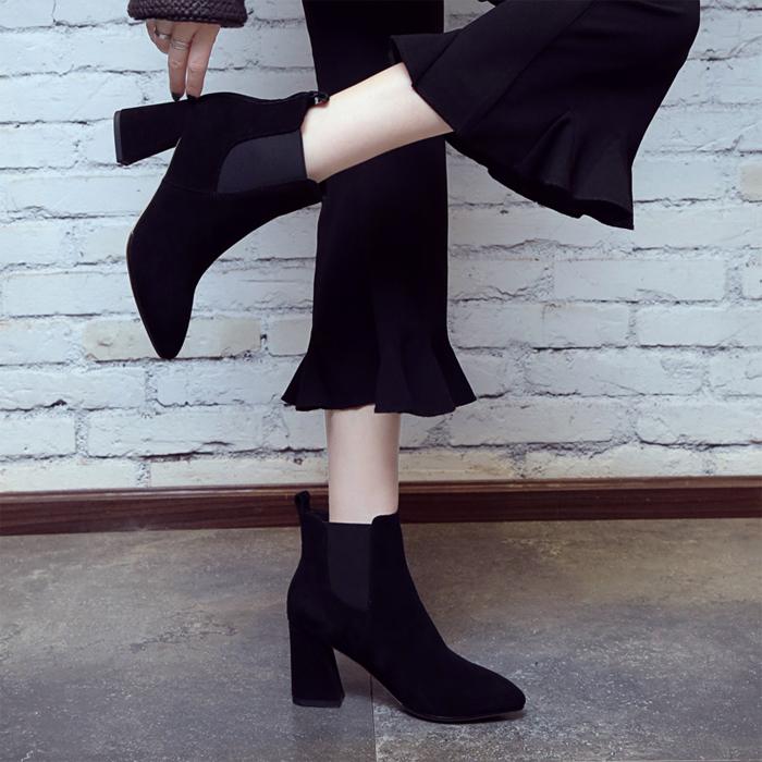 高跟黑色高跟靴