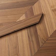 良品订制黑胡桃锁扣鱼骨拼实木多层复合地板厂家直销木蜡油人字拼
