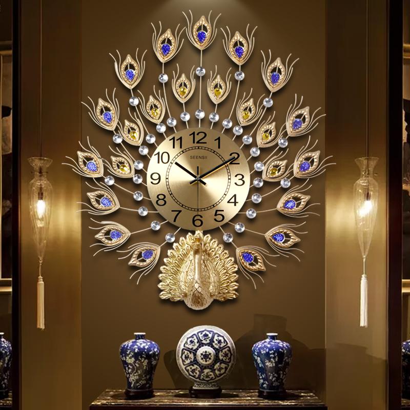 孔雀挂钟客厅
