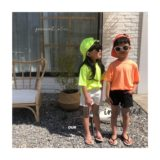 Spot Korean children's clothing summer new boys and girls fluorescent bright color simple short-sleeved T-shirt soft loose parents