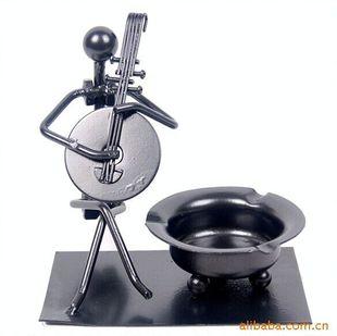 限时抢购烟灰缸 家居饰品 金属铁人铜管乐队创意烟缸 节日礼品