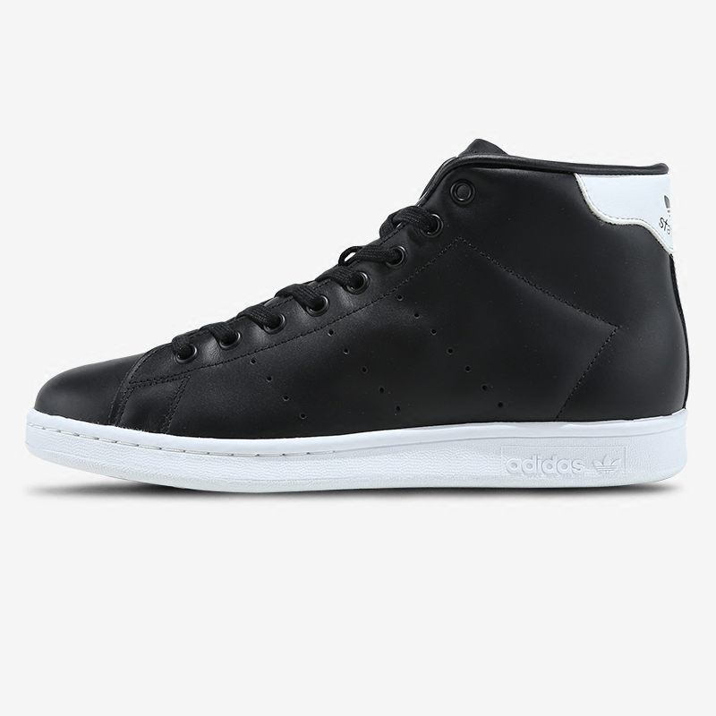 阿迪达斯冬季保暖鞋
