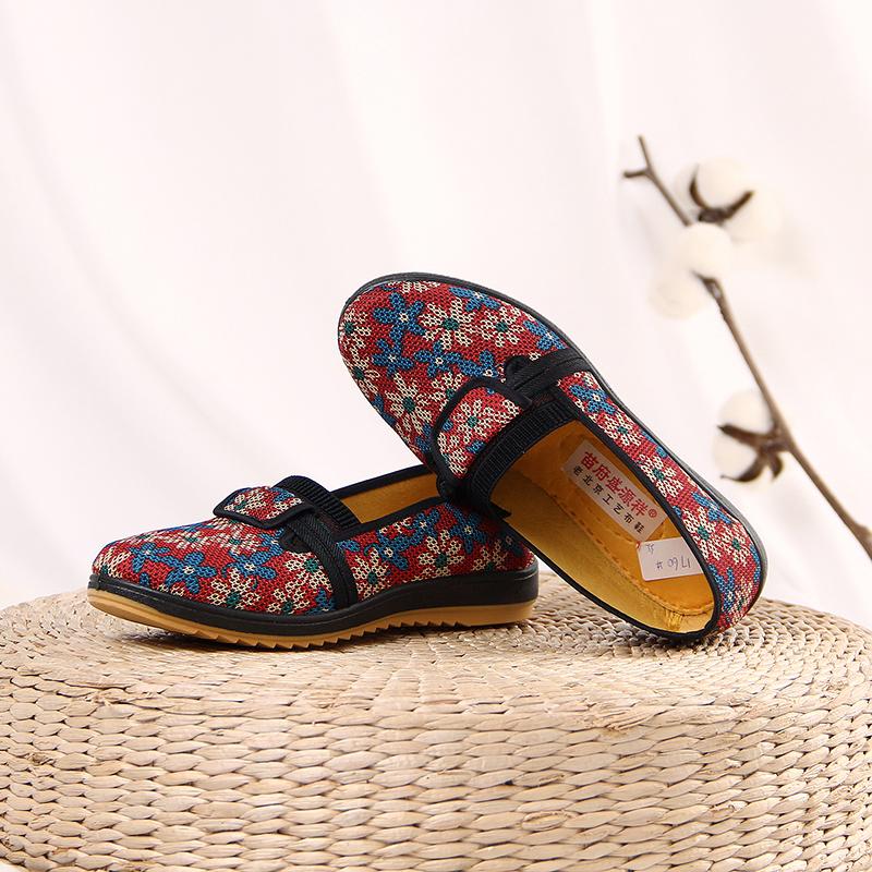 新款老北京工艺布鞋舒适休闲妈妈单鞋牛筋底防滑中老年奶奶春秋款