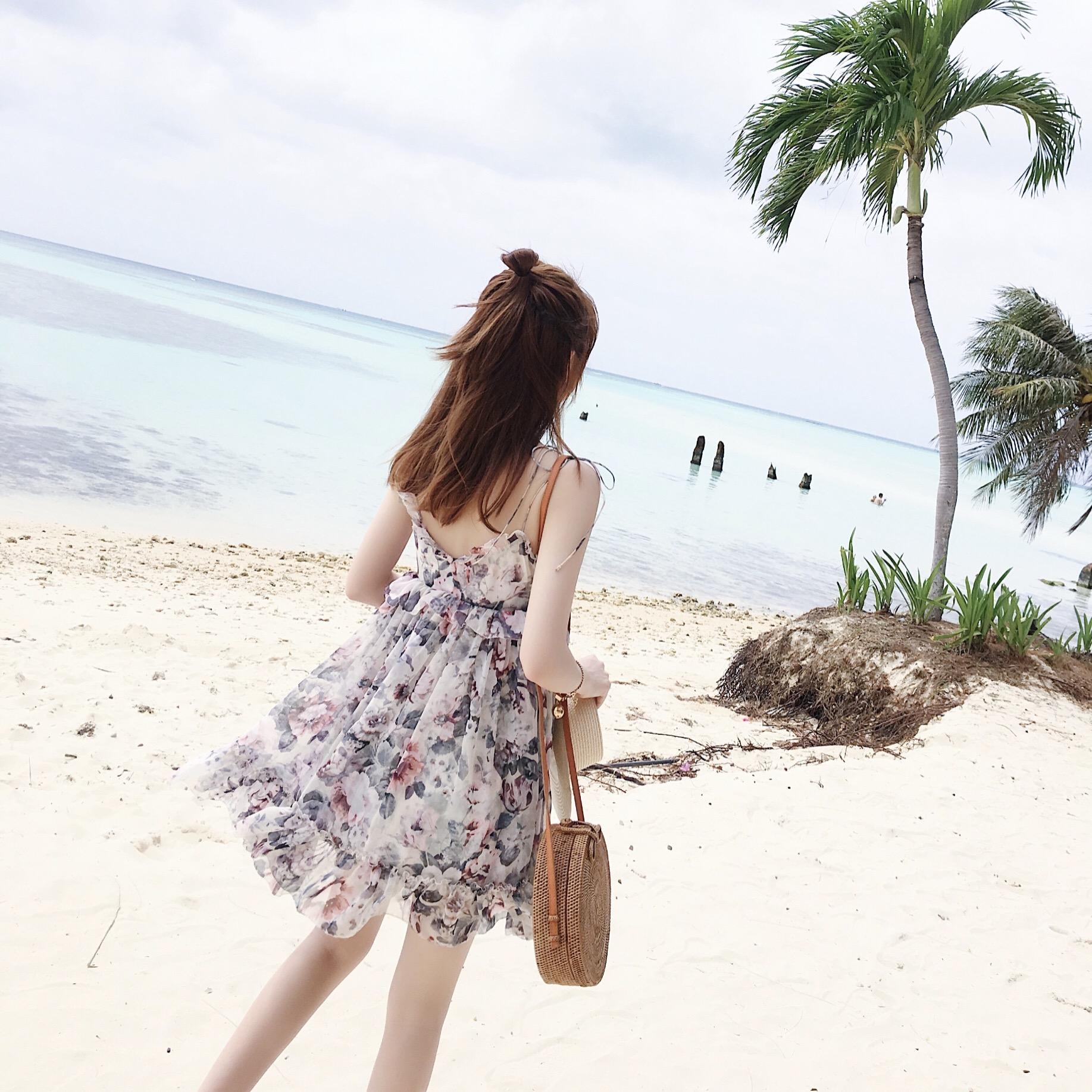 度假小姐 吊带连衣裙
