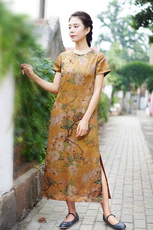 圆领香云纱旗袍