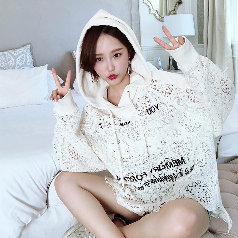 白色蕾丝卫衣