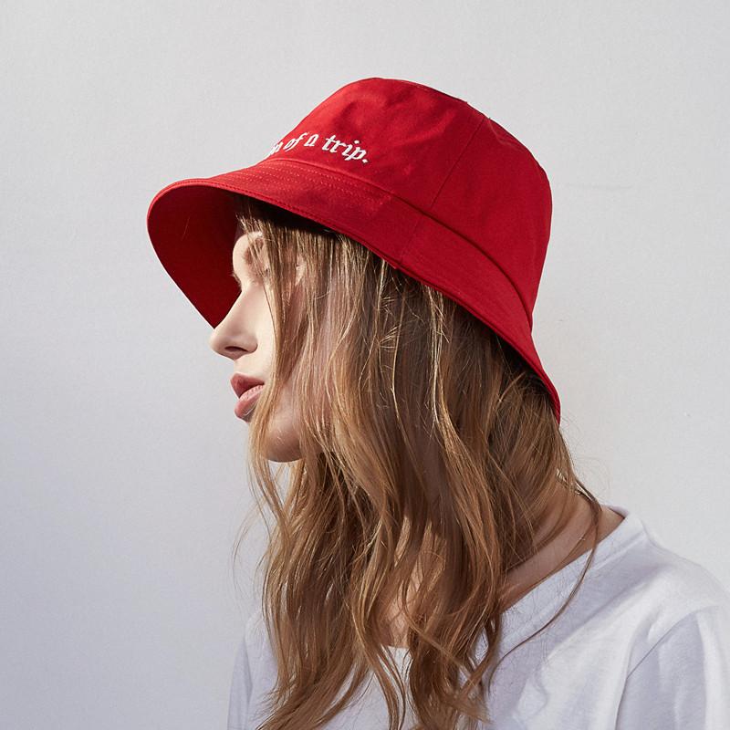 红色帽子女冬