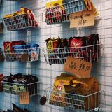 Net red noodles small canteen mesh display rack wire mesh wrought iron grid photo wall bubble wall hanging basket rack