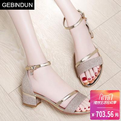 GEBINDU一字扣女鞋粗跟女士中跟凉鞋2018夏季新款时尚罗马风格高