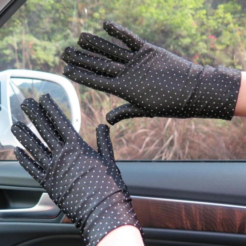春秋夏季短薄款防晒氨纶手套女士可爱点点紧身弹力骑车开车手套新