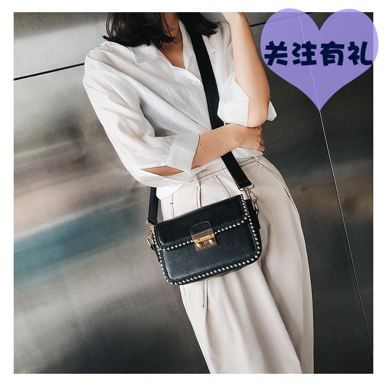 2018 autumn new beaded rivet small square bag fairy ladies handbags Europe and the United States simple