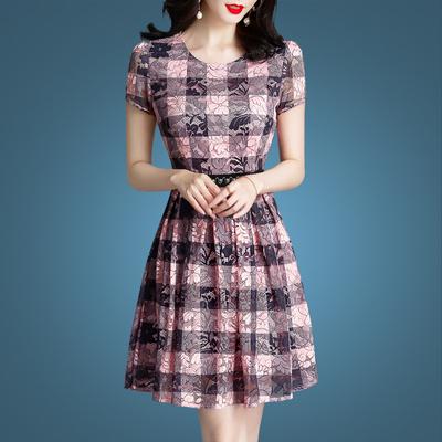 时尚夏装蕾丝连衣裙女短裙2019春装新款遮肚子减龄a字款裙子夏天