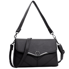 Scarecrow middle-aged lady bag mother bag 2019 new style lady one shoulder inclined bag simple atmosphere middle-aged and old soft skin