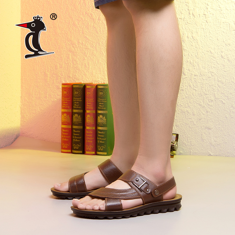 啄木鸟凉鞋2018夏季真皮软底防滑凉鞋男士休闲沙滩鞋两穿露趾凉拖