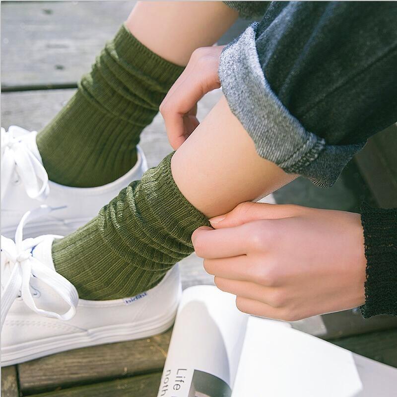 中老年人深蓝色棉袜子中筒袜女韩国学院风短靴杏色毛球冬季浅蓝色