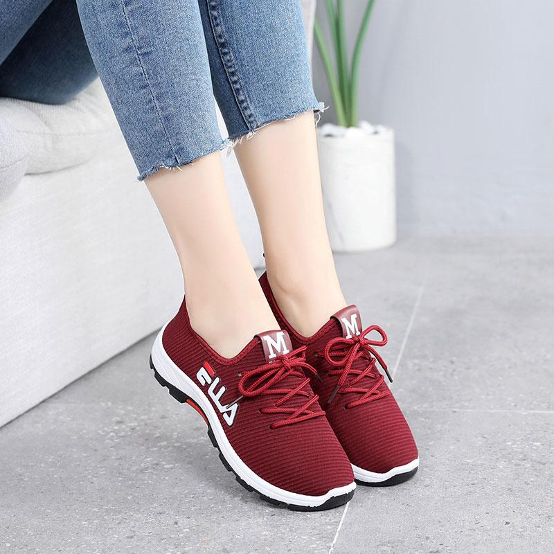 妈妈鞋春秋款中老年舒适40-50岁春一脚蹬老人健步鞋老北京布鞋女