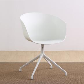 餐椅现代简约个性咖啡椅美式休闲椅设计师椅子轮式黑色烤漆腿