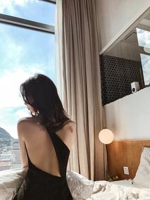 【小Q家】黑色斜肩露背小礼服开叉性感年会宴会长款晚礼服连衣裙