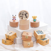 Wooden hand music box rotating clockwork music box decoration ornaments creative girlfriends girls children birthday gifts
