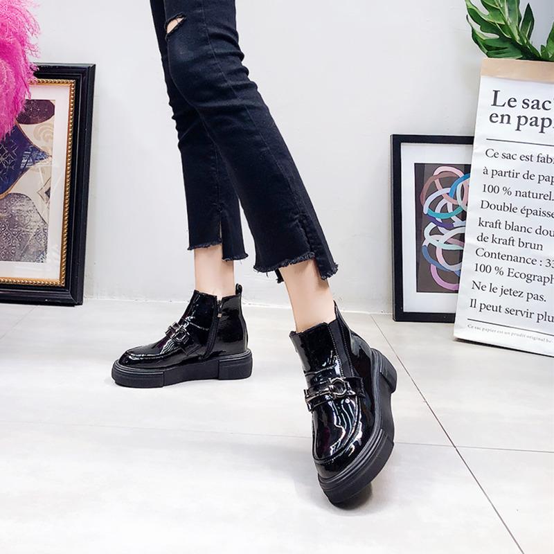 韩版新款金属搭扣漆皮厚底松糕坡跟及踝靴马丁靴机车靴百搭女鞋潮