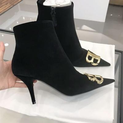 2018秋新款欧洲站尖头真皮细跟高跟鞋金属BB字母中跟短靴及踝靴女