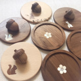 Spot Japan imported hand made walnut solid wood inlaid shell rabbit squirrel chestnut pine fruit boutique coaster cup lid