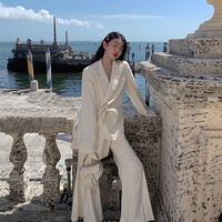 Halo CARIEDO 2019 spring new female retro vertical stripes pearl buckle chic small suit jacket