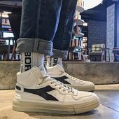 @小呆家~春秋新款中帮休闲鞋男韩版运动板鞋街头男跑鞋高帮男鞋