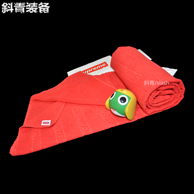 Supreme 18SS Debossed Logo Beach Towel  满印logo浴巾 沙滩巾