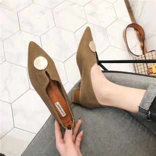 复古女士时尚单鞋女冬季女鞋新款学生秋冬女生尖头粗跟圆扣休闲鞋