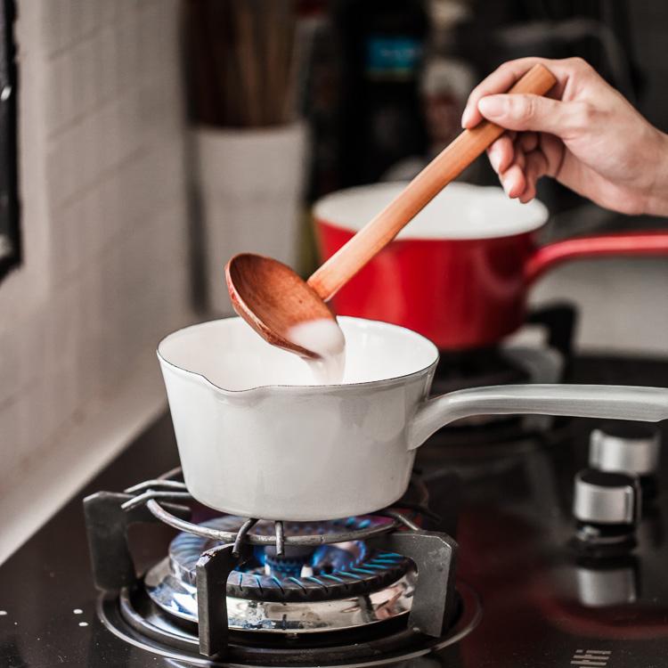 搪瓷单柄奶锅