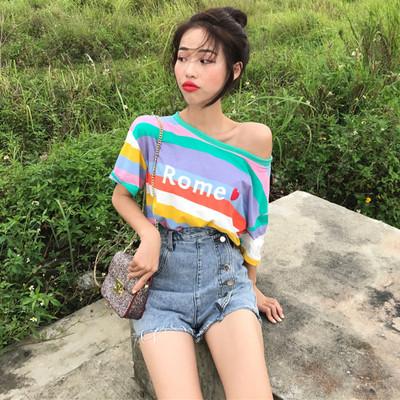 上衣女夏2018新款韩国chic宽松露肩彩虹条纹爱心字母印花短袖T恤