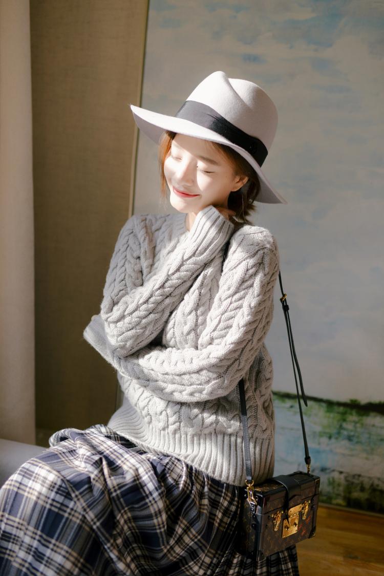 编织麻花上衣