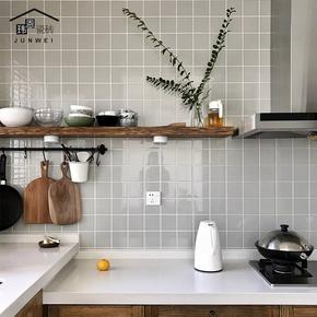 宜家北欧小白砖九宫格卫生间浴室瓷砖厨房墙砖阳台防滑地砖300