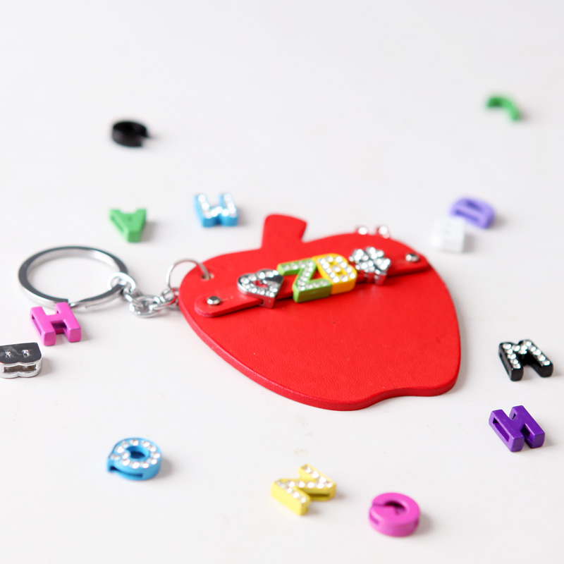 青歌手工diy皮具定制小兔皮革汽车钥匙扣牌包挂创意生日礼物挂件
