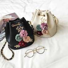 Ins new water bucket lady bag three-dimensional flower pearl pulling bag single shoulder bag chain bag oblique Bag