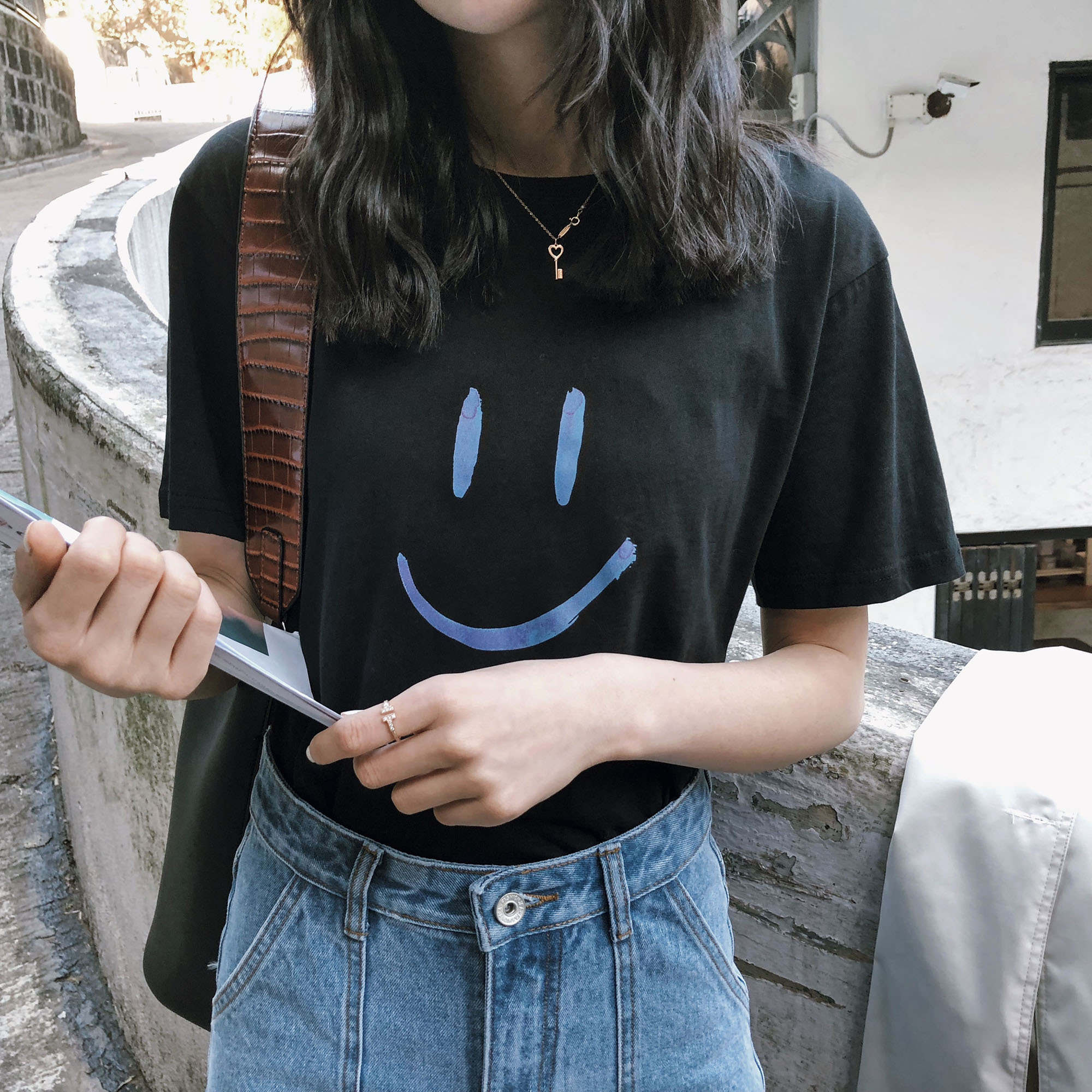 笑脸个性t恤衫