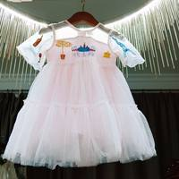 Call the child's princess gauze dress