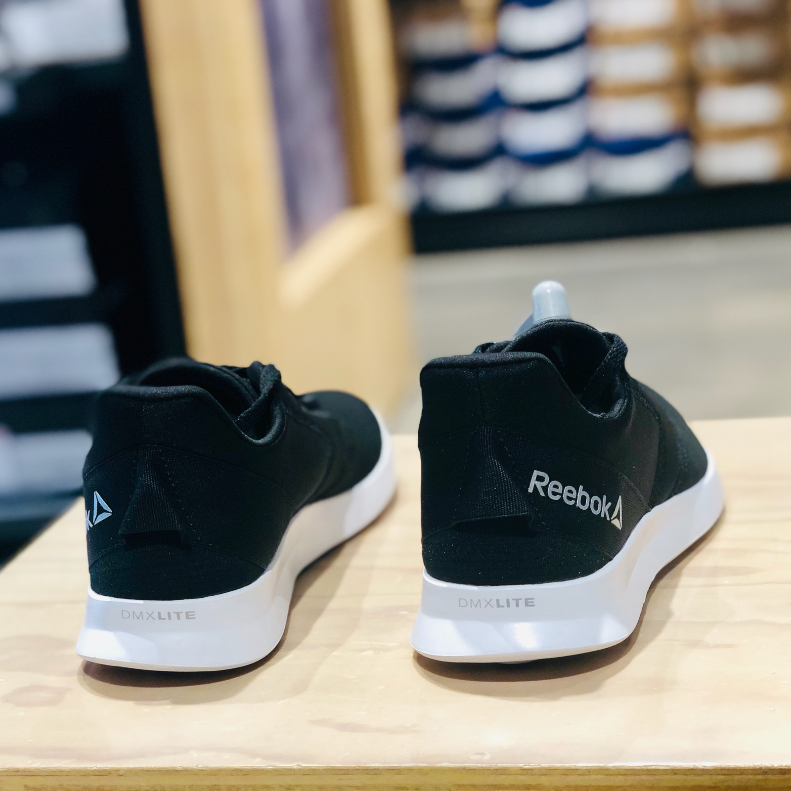 REEBOK/锐步新款女子EVAZURE DMX LITE 2.0运动休闲跑步鞋DV5738