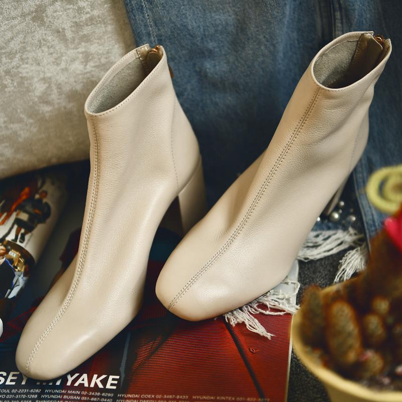 何其丑乳白色短靴女粗跟真皮网红高跟鞋女靴春季加绒女鞋及踝靴子