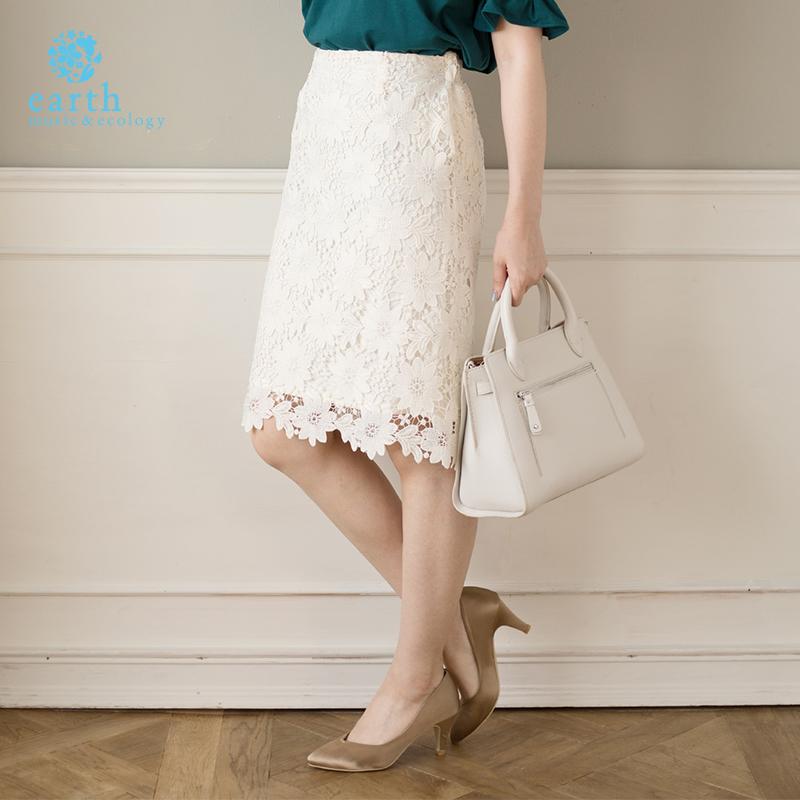 花朵蕾丝包臀裙