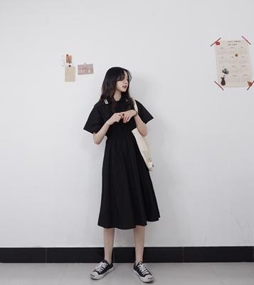 是枝2019夏 韩版新款polo领收腰显瘦连衣裙女学院风学生中长裙